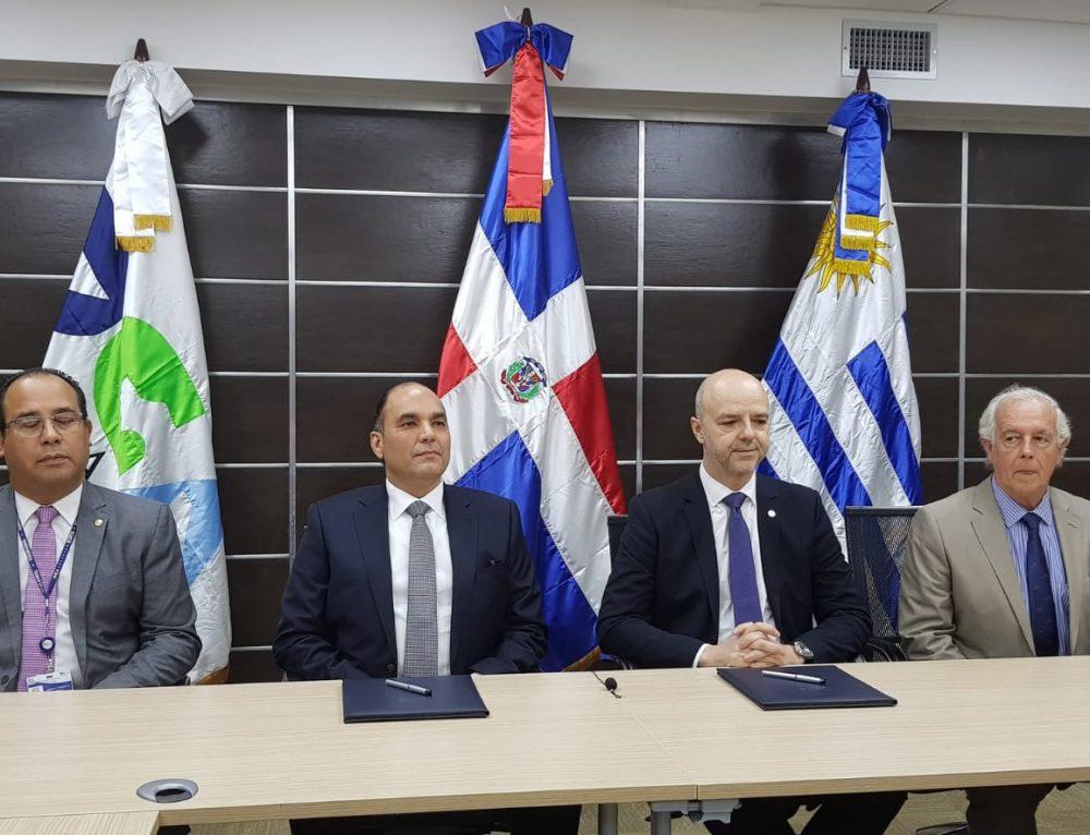 VUCE realizó donación a República Dominicana