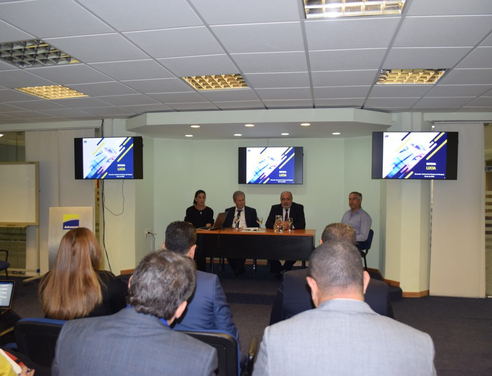 Delegación de Panamá visitó Uruguay para conocer la implementación de VUCE y el sistema LUCIA de Aduanas